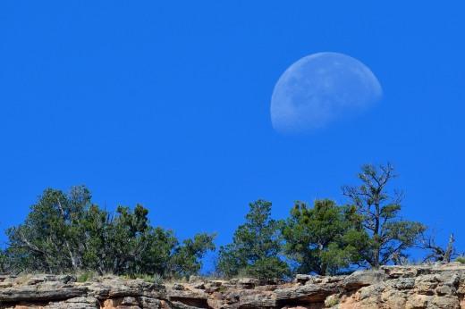 Moon at La Ventana